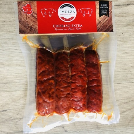Sausages tied by hand pack 4 units.